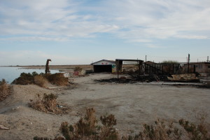 007f 300x200 The Post Apocalyptic Wonders of the Salton Sea (and Disneyland on Shrooms)