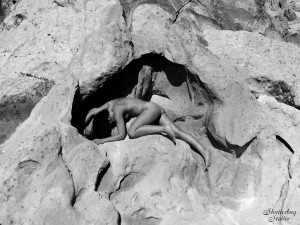 02 Whitney Pockets 076 BW web 300x225 Shooting Fine Art Nudes With a Samsung Galaxy S3
